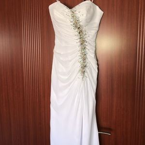 🕊Tony Bowls White Gown - Prom or Special Occasion